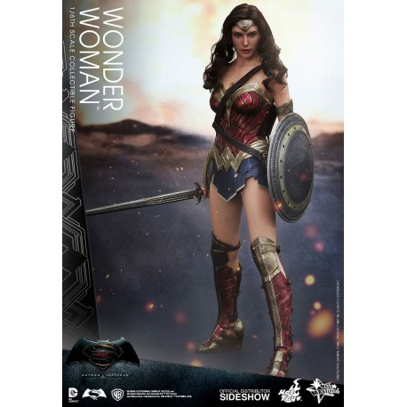 HOT TOYS - WONDER WOMAN 1/6