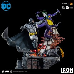 IRON STUDIOS - BATMAN VS JOKER BATTLE DIORAMA 1/6