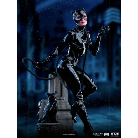 IRON STUDIOS - BATMAN RETURNS - CATWOMAN ART SCALE 1/10