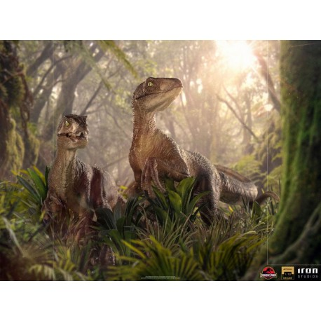 IRON STUDIOS - JURASSIC PARK - JUST THE TWO RAPTORS DELUXE ART SCALE 1/10
